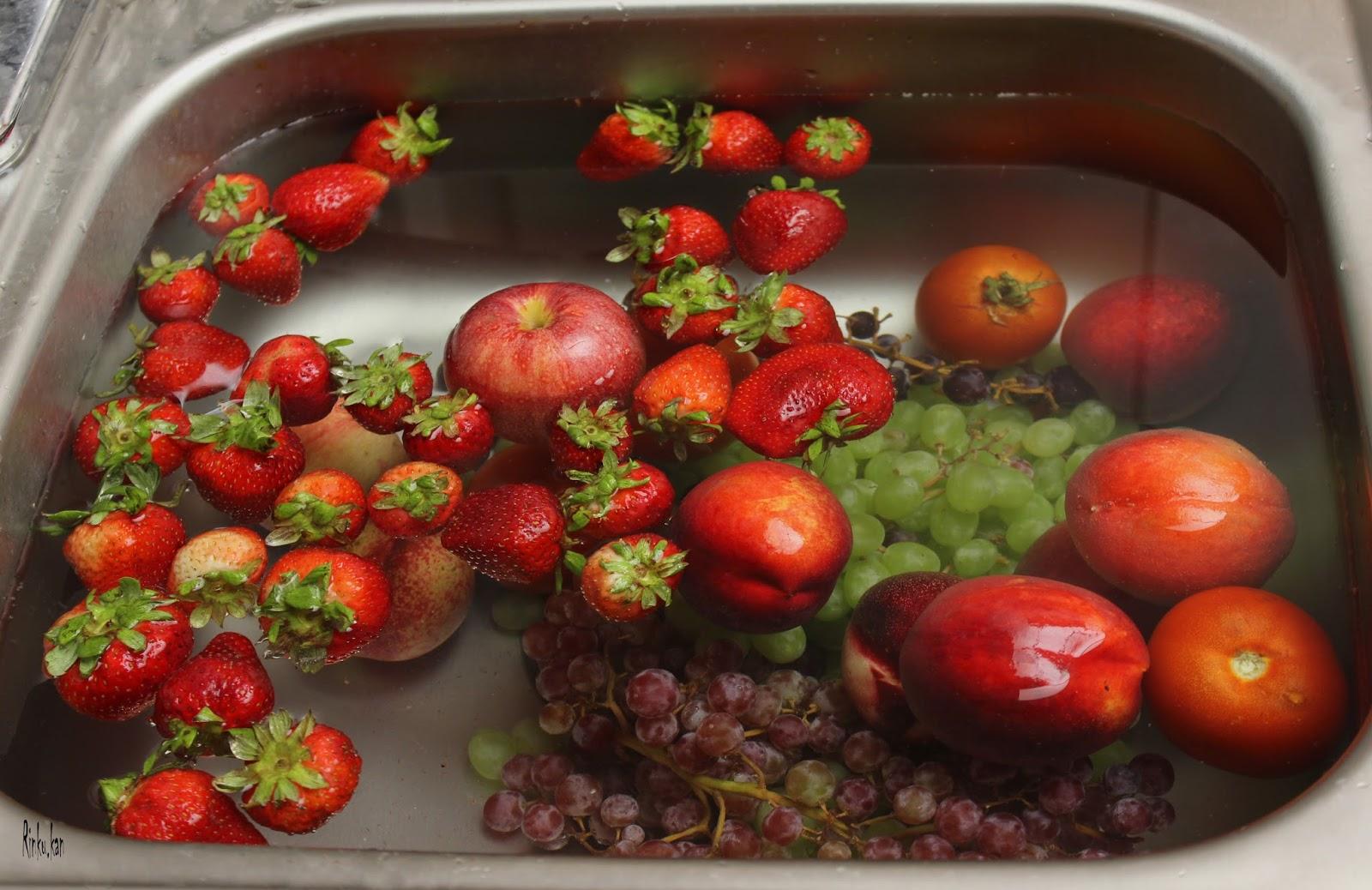 Uklonite što više pesticida s voća i povrća ovim jednostavnim trikovima!