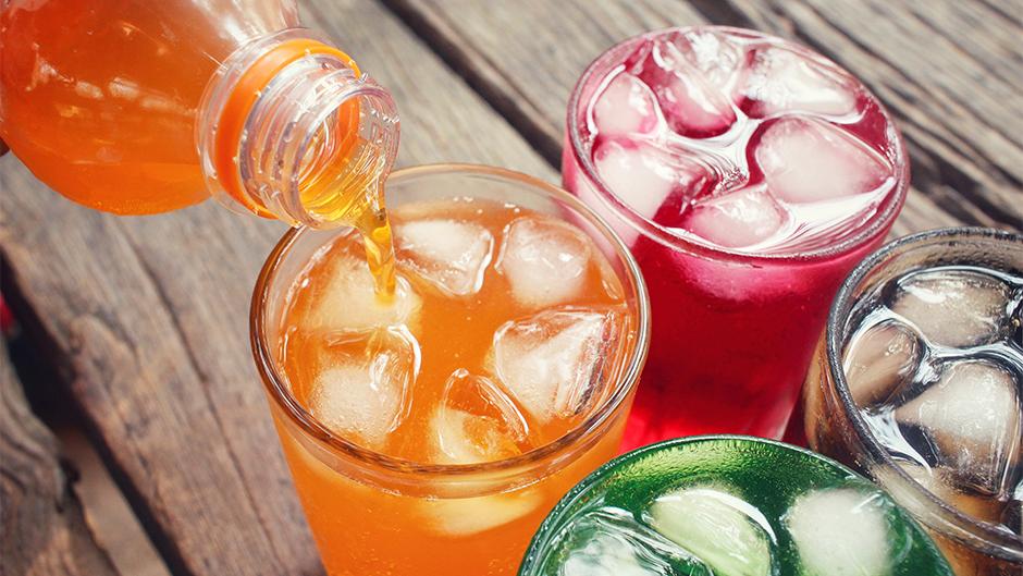 Zašećereni voćni sokovi opasni su za zdravlje!
