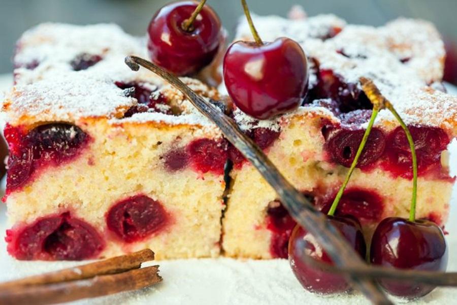 Napravite sami slatki kolač s osvježavajući kiselim višnjama!